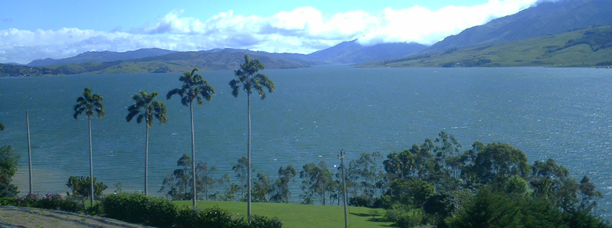 http://www.karmatrails.com/web/uploads/2014/05/Lago-Calima-Valle-de-Bravo.jpg