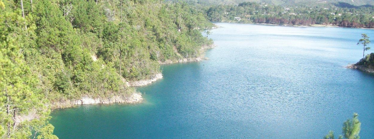 https://www.karmatrails.com/web/uploads/2014/05/Lagunas-de-Montebello-Chiapas.jpg