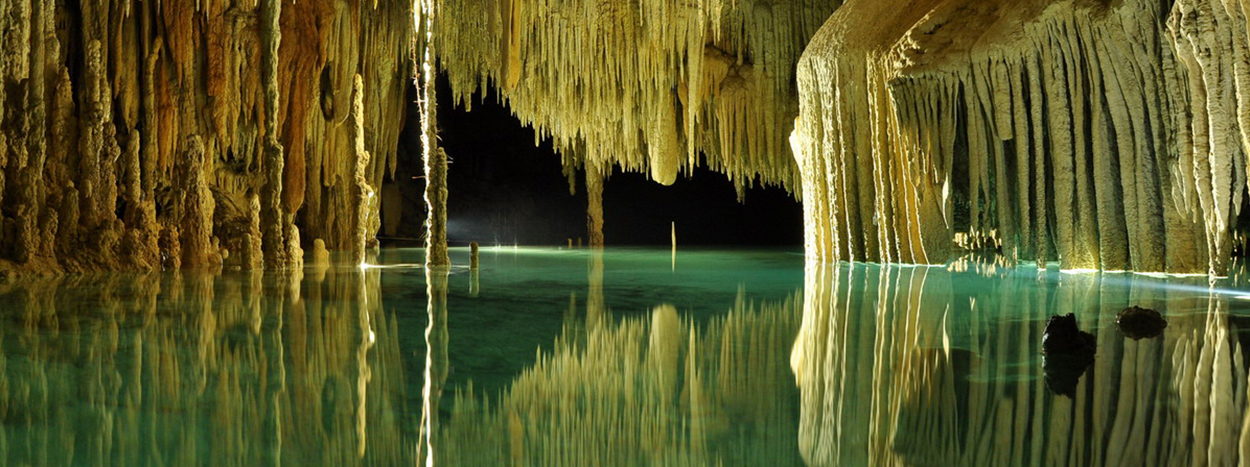 https://www.karmatrails.com/web/uploads/2018/05/Rio-Secreto-cenote.jpg