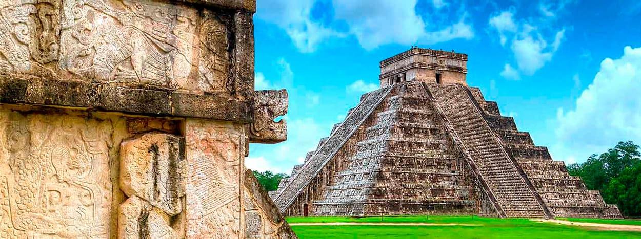 https://www.karmatrails.com/web/uploads/2020/04/Piramide-Dios-kukulkan-1.jpg